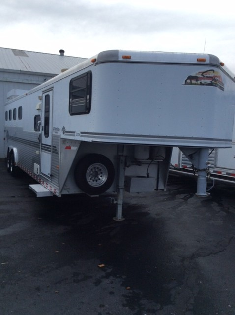 Sundowner Horse Trailers >> 1999 Sundowner 4 Horse Trailer With Living Quarters
