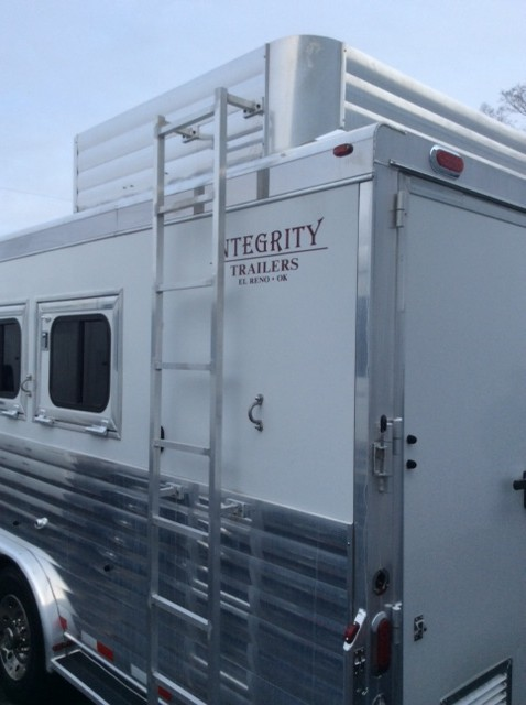 2006 Integrity 4 Horse Trailer With Living Quarters August Trailer